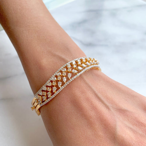 Grand Diamond Bangle Bracelet