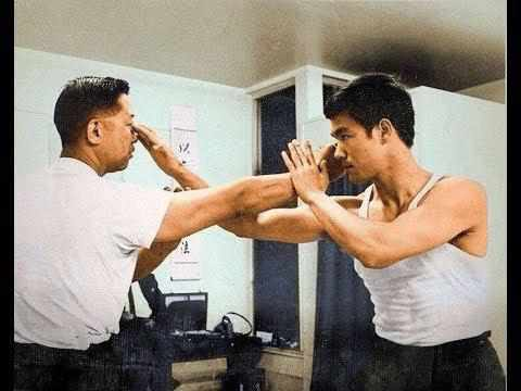 Bruce Lee showcases his Wing Chun techniques