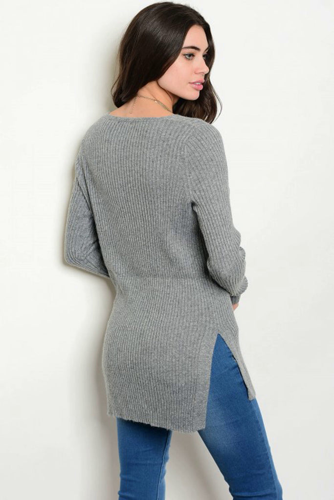 Sweater Color Gris