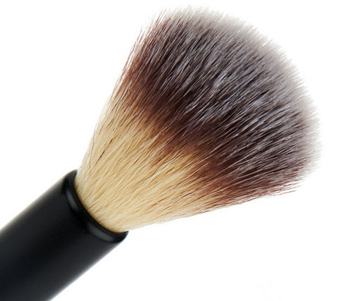 EVE PEARL 204 MicroSilk™ Dual Fan Highlighter Brush