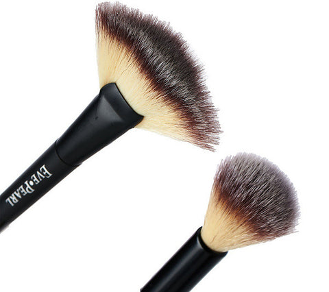 204 - Dual Fan Highlighter Brush
