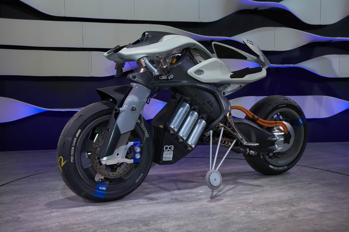 Yamaha MOTOROiD - Autonomous Motorcycles are a Thing now