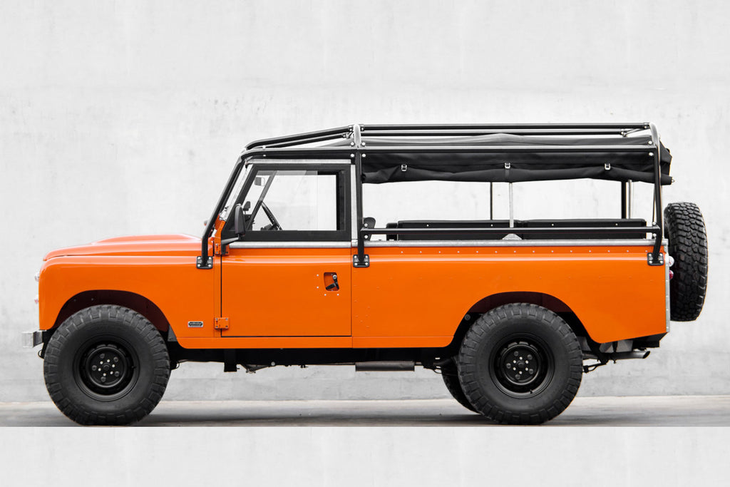 cool-and-vintage-land-rover-defender-series-3-tangerine-2