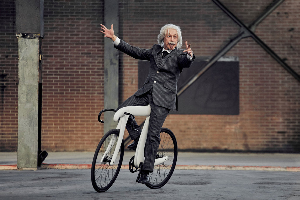pi-bike-einstein-hands