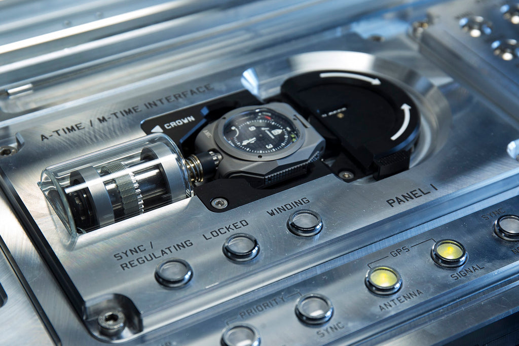 urwerk-amc-atomic-clock