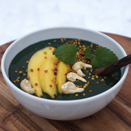 CHLORELLA AND MANGO BOWL