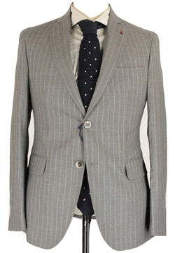 Fugato - Light Gray Pinstripe Four Season Wool Suit