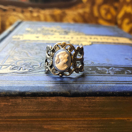 Blue Lady Cameo Ring in Silver Filigree