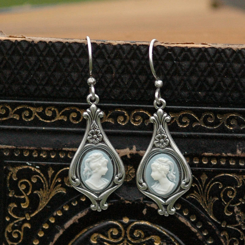 Lady Cameo Earrings