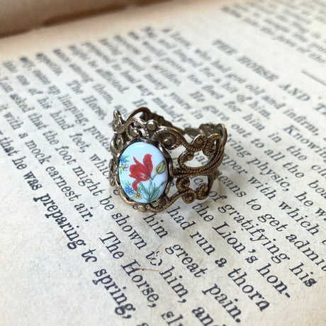 Vintage Flower Cameo Ring