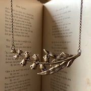 Lilly Necklace in Silver