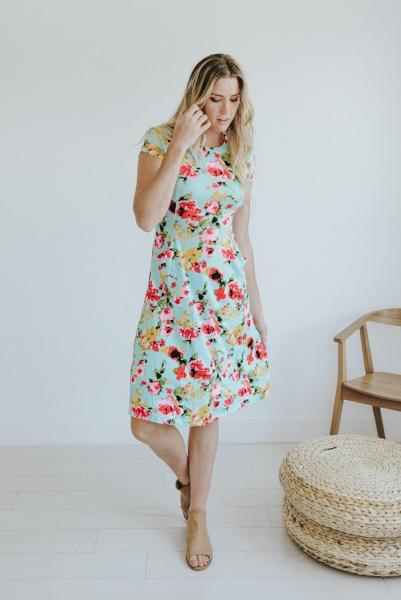 Emma Short Sleeve Floral Midi Dress with Pockets