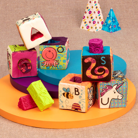 [B.Toys] ABC Block Party 6 Fabric Blocks with 5 Various Insert Pieces in 1 Reusable Bag BX1368C4Z - 6months+