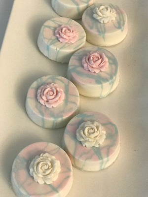 Pastel Colors Flower Chocolate Covered Oreos, Light Blue and Pink Roses