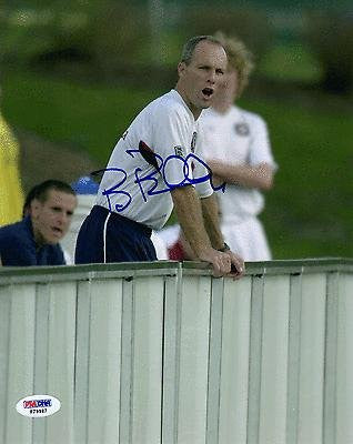 Bob Bradley SIGNED 8x10 Photo Team USA *VERY RARE* AUTOGRAPHED - PSA/DNA Certified - Autographed Olympic Photos