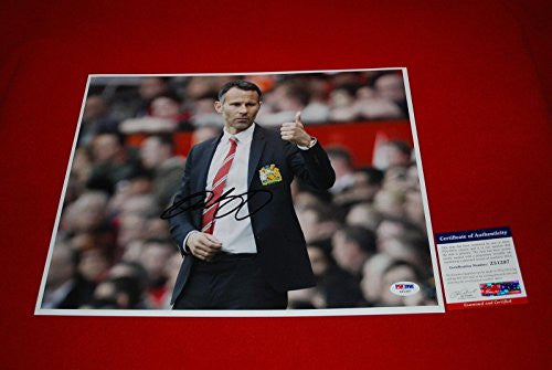 Autographed Ryan Giggs Photo - Wales Red Devils 11x14 2 - PSA/DNA Certified