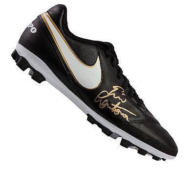 Eric Cantona Signed Football Boot - Nike Tiempo