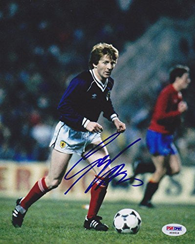 Signed Gordon Strachan Photograph - 8x10 Scotland *VERY RARE* - PSA/DNA Certified - Autographed Soccer Photos