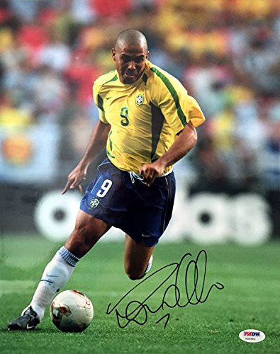 RONALDO SIGNED AUTOGRAPHED 11x14 PHOTO BRAZIL SOCCER LEGEND VERY RARE PSA/DNA