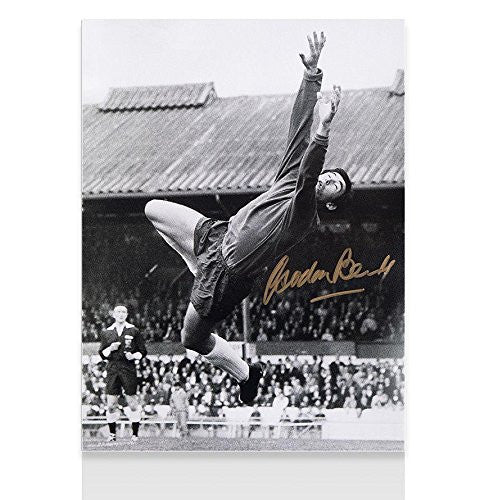 Gordon Banks Signed Photo - Diving Save Autograph - Autographed Soccer Photos