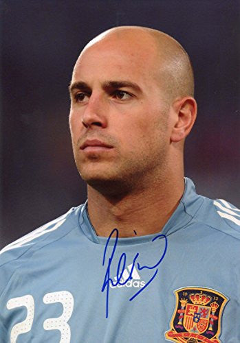 Pepe Reina autograph, In-Person signed photo