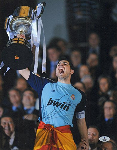 Iker Casillas Signed Auto'd 11x14 Photo Bas Coa - Beckett Authentication - Autographed Soccer Photos