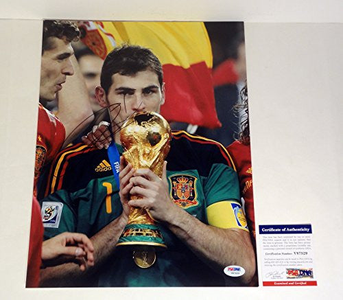 Iker Casillas Signed Autograph 11x14 Photo PSA/DNA COA #2