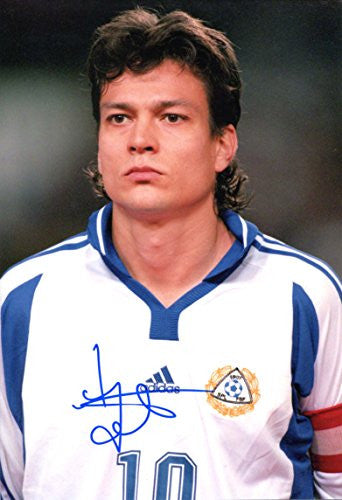 Jari Litmanen FINNISH autographed, IP signed photo
