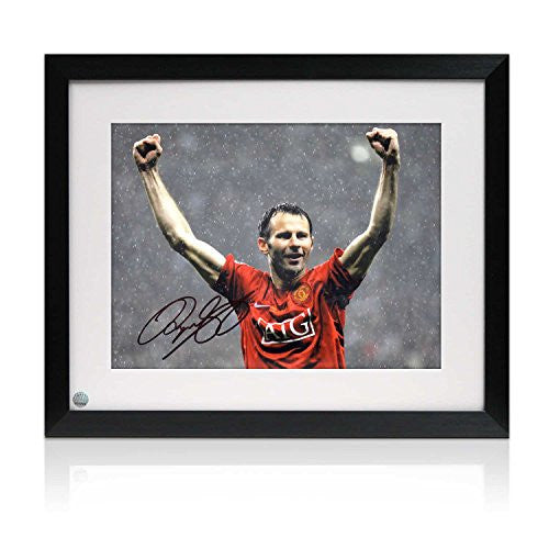 Ryan Giggs Signed And Framed Manchester United Photo: Champions League Winner