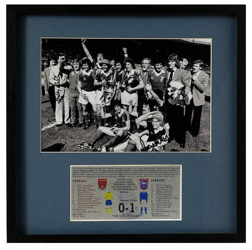 Ipswich 1978 FA Cup Final 1978 presentation hand signed by Sir Bobby Robson (LOT311)