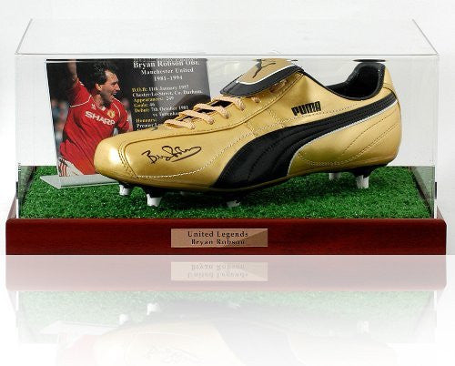 Bryan Robson hand signed Football boot presentation (LOT619)