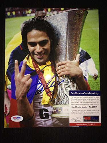 Radamel Falcao Signed Photo - 8x10 Columbia Naional Team AC #4 - PSA/DNA Certified - Autographed Soccer Photos