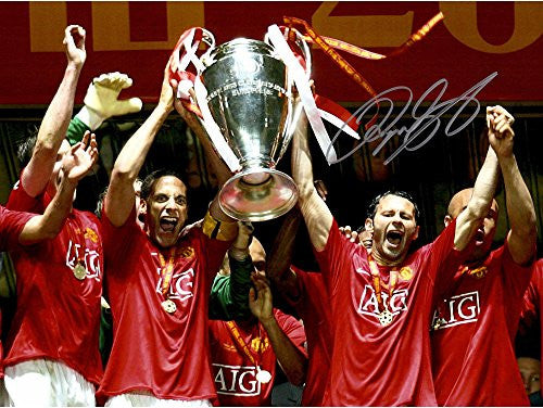 "Ryan Giggs Manchester United Autographed 12"" x 16"" 2008 Champs Photograph - ICONS - Fanatics Authentic Certified"