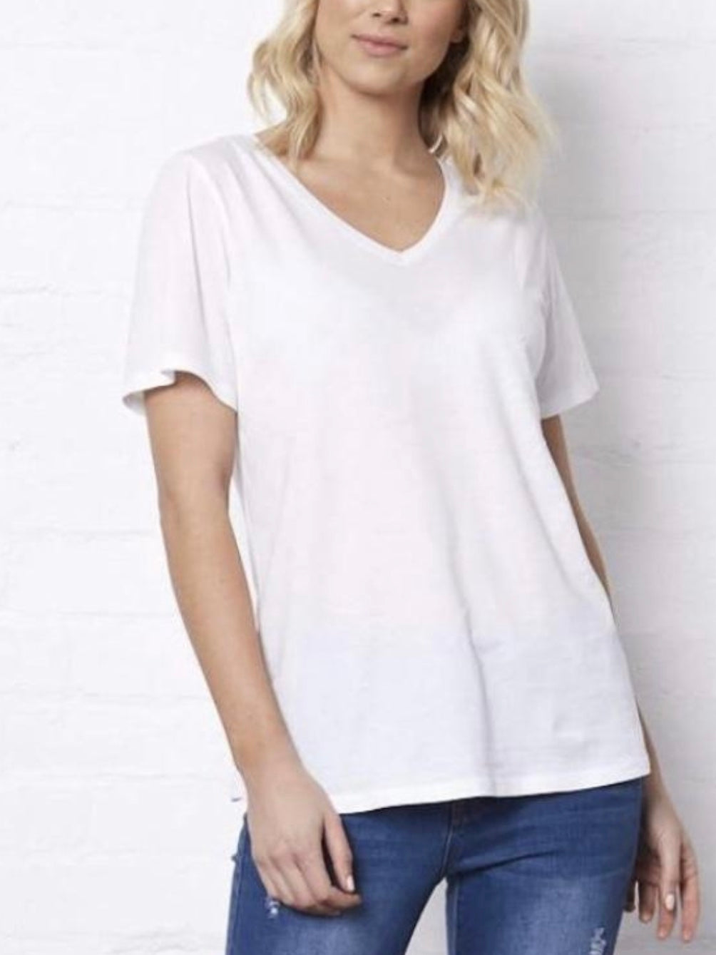 Andi V-neck Tee : White