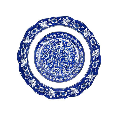 Iznik bowl decorated with lotus flowers