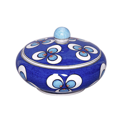 Iznik sugar bowl decorated with Chintamani pattern on the cobalt blue ground.