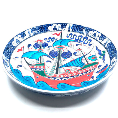 Iznik collection plate with beautiful sailing-ship design