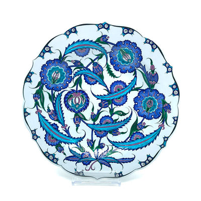 iznik dish with floral pattern