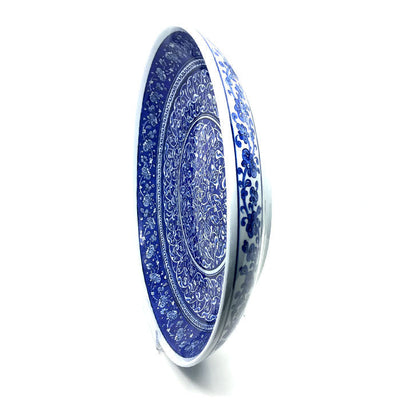 Important Blue and White Iznik Pottery Deep Plate detail