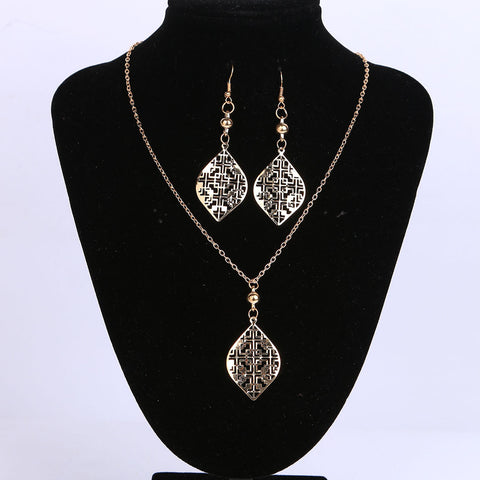 Bridal Jewelry Set Gold Color with Hollow Out Shaped Choker Necklace&Earring Set for Women Party