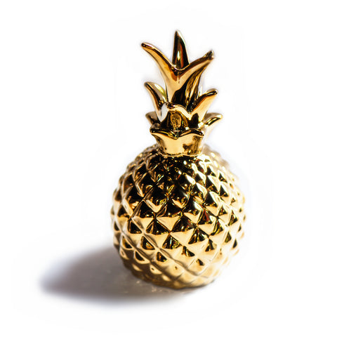 Ornamental pineapple. Hand-painted gold. Home decorating. Golden pineapple. Artesanal