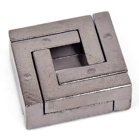 1pcs April Du 4cm Metal Cast Ring Square lock Puzzle Souptoy 110gram kids education Mind Brain develop Puzzles Toy  d21