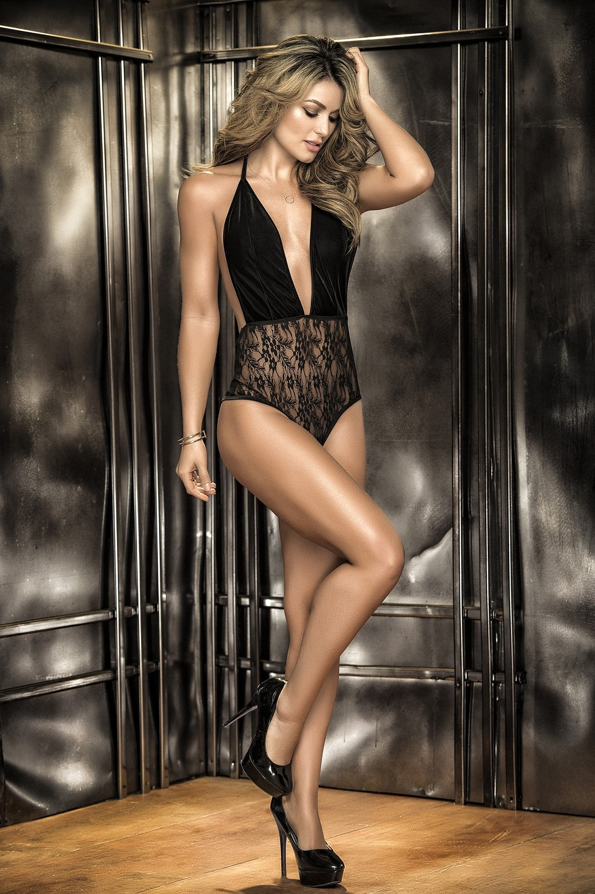 Luxurious Lace Teddy in Black