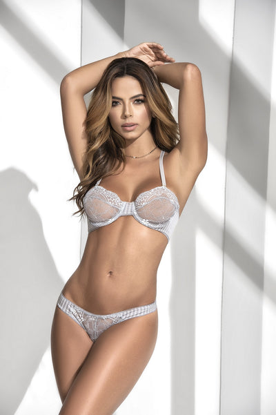 Elegant Grey Lace Underwired Bra Set