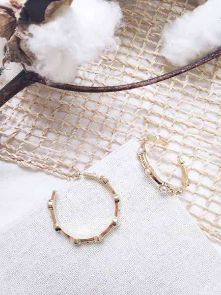 EOS STUDDED HOOPS