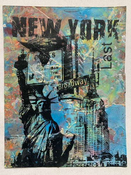 Statue Of Liberty / Broadway Street Sign (medium) - NYC