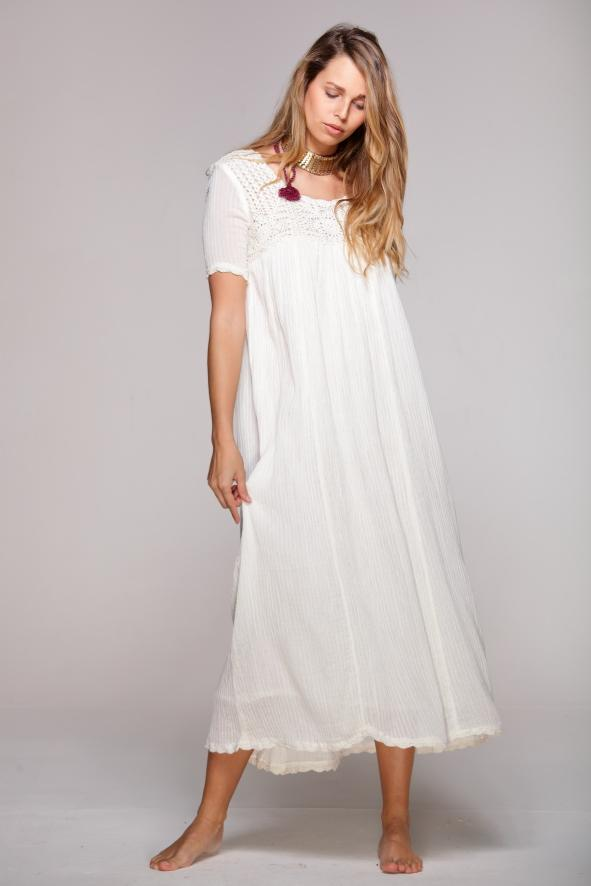 wedding long boho dress color white with crochet.