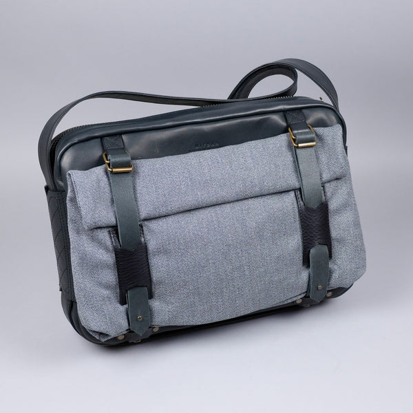 Le Messenger Black M/C