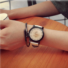 Unisex Quartz Analog Watch - Diana's Space