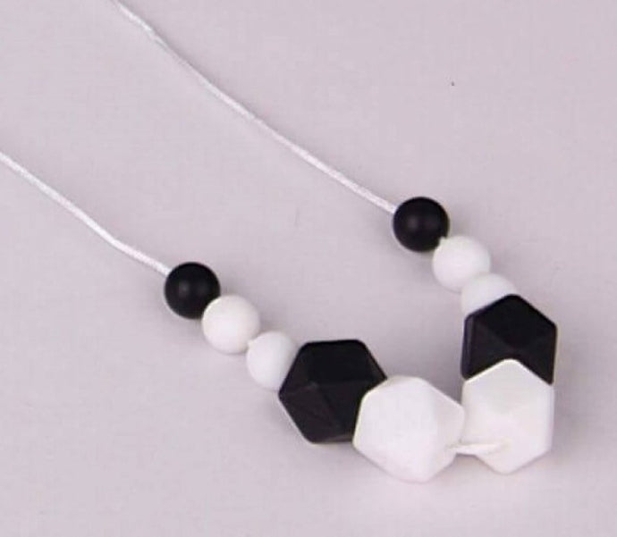 Audrey - Non-Toxic & BPA Free Necklace for Mums - Integrity Lane